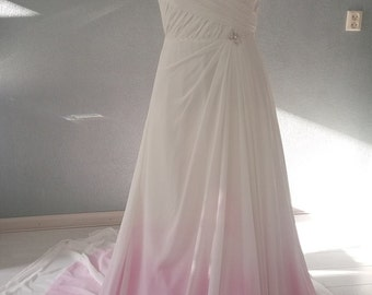 Trendy wedding dress by Amanda Wyatt with Dip Dye Ombre effect 38/40