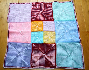 Many coloured baby blanket: the perfect gift for a baby boy or girl 75x75cm