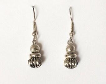 Vintage 1970's Modern Minimalist Simple Silver Spheres Dangle Drop Earrings