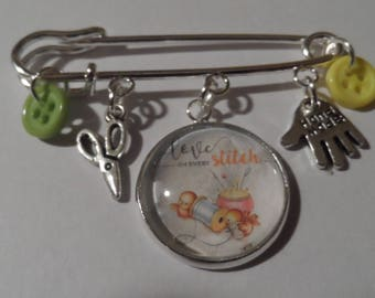 Sewing Kilt Pin,Free Shipping, Photo Charm of Love and Stitch,Silver Plated Scissors and Hand Made, Green,Yellow Buttons,Great Gift For Her