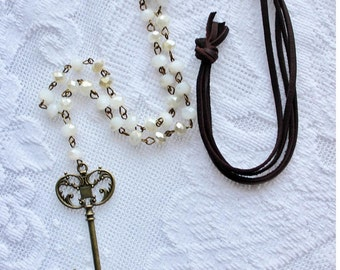 The Armelle Key (leather)