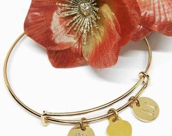 Heart bangle bracelet - Initial Custom Bridal Gift Personalized Bridesmaid Initials Gold plated - Bangle con iniziali personalizzate