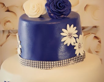 Organic Cake With Handmade Floral Decorations (Large)