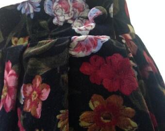 90s Vintage Black Floral Velvet Maxi Skirt Pleated with Pockets
