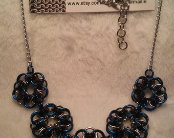 Chainmaille (Helm Flower) Necklace (Royal Blue/Black Ice/Black)