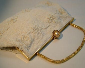 Vintage 1960's Beaded Floral Daisy Ivory Handbag Purse Bag Wedding