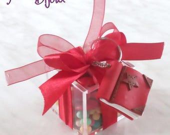 Graduation favor box in plexiglass with fimo handmade keychains and confetti