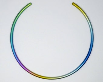 Anodized titanium choker. Rainbow colours anodized titanium choker, necklet 5 mm bar.