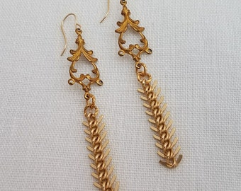 Dangle Earrings with Antique Look and Herringbone Chain