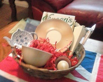 Small Tea Basket