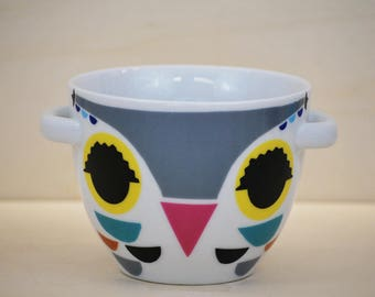 Porcelain breakfast Bowl. Decorated with handmade OWL design.