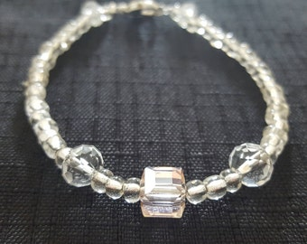Clear Pink Cube Jewel and White Sparkle Baubles beaded bracelet