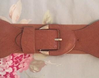 Vintage buckle stretchy belt