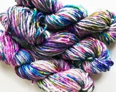confetti / speckle yarn / hand dyed yarn / superwash merino wool / pink purple olive turquoise blue white speckled yarn / bulky single yarn
