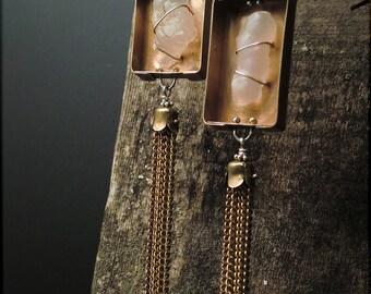 E1500 Desert rose quartz bound in asymmetrical bronze boxlets