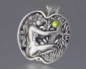 EVE's APPLE silver pendant with Peridot