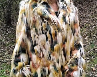 CALICO pheasant tuft-textured faux FUR vintage-lined COAT with 4 pockets and 3 clasp closures