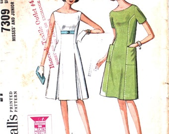 Front Pleated Dress with or without Pockets Bust 32 McCalls 7309 Vintage Sewing Pattern Size 12