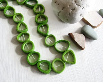 Green  Bone beads,  triangle freeform donut shape , irregular bead frame, Rustic ethnic ( 10 beads ) 6db4-1