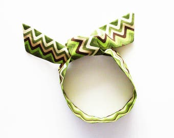 Green Zigzags Head Scarf / Multipurpose Hair Accessory, Neck Tie, Handbag or Walker Adornment, Pet Neckerchief / Rockabilly / Gift Under 25