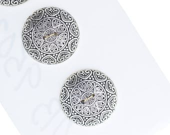 Button set of 4 , 2 hole , Plated plastic , Antique silver finish , sold 4 each OB9502AS