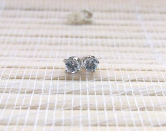 Aquamarine Stud Sterling Silver March Birthstone 3mm