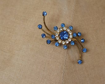 RESERVED vintage 1940s brooch / 40s rhinestone brooch / 40s blue gold rhinestone pin