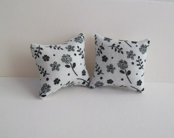 """Mini Black and White 11/4"""" accent pillow pair for the dollhouse"""