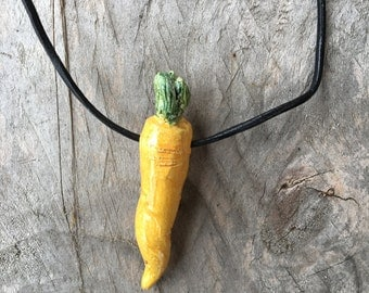 Stoneware necklace with a little carrot  - Necklace from Italy