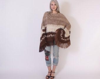 Vintage 70s PONCHO CAPE / 1970s Soft Shaggy Alpaca Llamas Fringe Knit Poncho