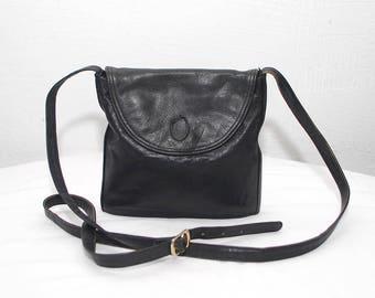80s small black bag. leather crossbody purse. shoulder bag