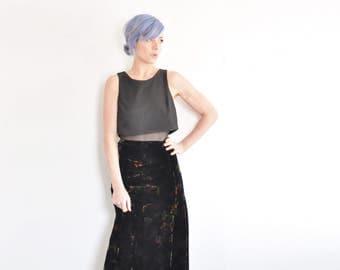 black floral velvet skirt . high waist flare hem plush garden skirt .large .sale