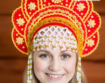 Kokoshnik Russian headdress, Russian tiara tudor headdress, national Russian clothing, folklore hat Russian crown hat