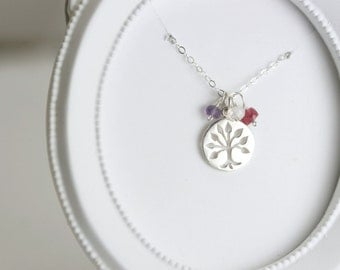 Custom Mothers Day Jewelry - Family Tree Necklace - Mothers Day Gift Ideas - Silver Birthstone Necklace for Grandma - New Mom Gift