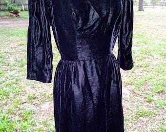 Vintage Suzy Perette Volup Larger Size Black Velvet Wiggle Dress