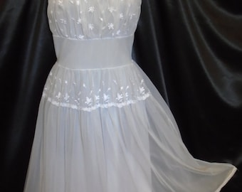 Vintage 1950s White Gotham Sheer Overlay Fitted Night Gown