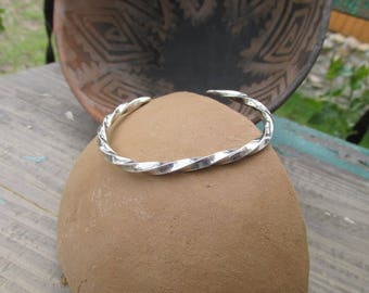 Beautiful Vintage Navajo Sterling Silver Twist Cuff Bracelet ~ 14 grams ~ Marked Sterling Handmade ~ Substantial Weight and Feel ~