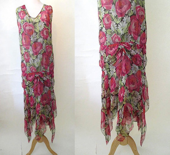 Gorgeous 1920's silk chiffon floral print flapper dress /built in slip Great Gatsby Roaring 20's Old Holly wood Glamor size Medium