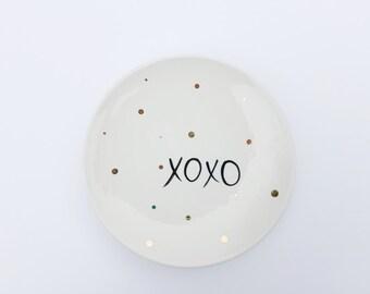 XOXO Jewelry Dish - Ring Holder - Gold