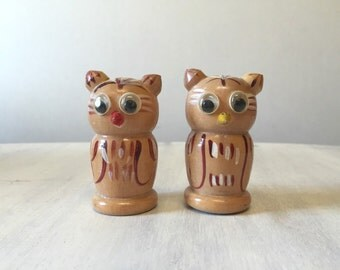 Wood salt pepper etsy - Owl salt and pepper grinders ...