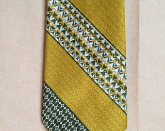 1970's necktie / mustard and green