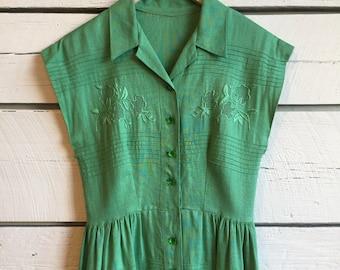Vintage 1940s linen dress • 40s floral dress