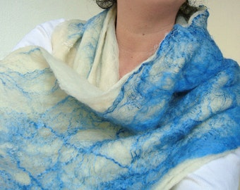 cobweb felted scarf -white night-