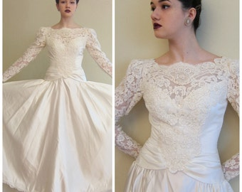 Vintage 1980s 1990s Wedding Dress House of Bianchi White Satin and Lace / 80s 90s Long Sleeved Wedding Dress Retro Princess / Small