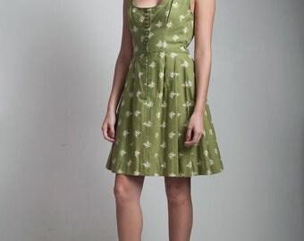 SALE vintage 50s German Dirndl pleated folk dress olive green floral cotton scoop neck SMALL S