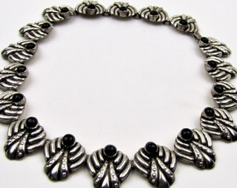 Early Taxco Mexico Los Ballesteros Sterling Silver Onyx Necklace. Repousee Sheild Motif. Handmade. 1940s 1950s Vintage Mexican Jewelry