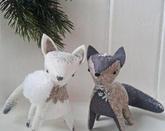 Arctic fox decoration.Pdf pattern. Handmade DIY ornament.Stuffed fox sewing pattern.Winter fox. Woodland felt animal. Soft sculpture