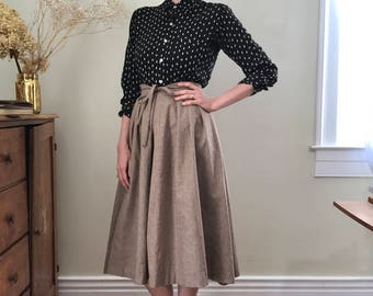 Wool bow tie waist skirt