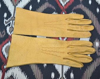 1950s Tan Meyers Make Pigskin Gloves, Size 6 1/2