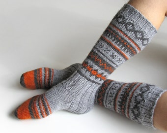 EU Size 39-41 - High Knee Hand Knitted Fair Isle Socks - 100% Natural Wool - Warm Autumn Winter Clothing
